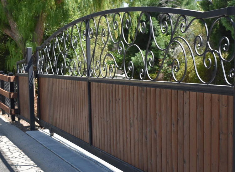 Fence and Gate Building and Repair Services